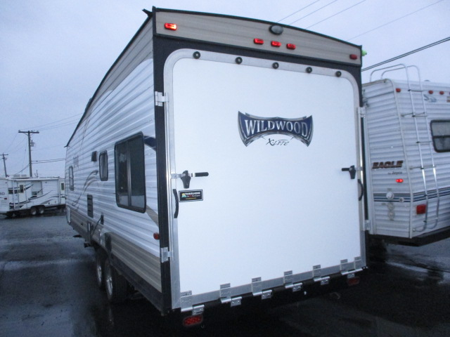 2017 FOREST RIVER WILDWOOD XLT 251SSXL