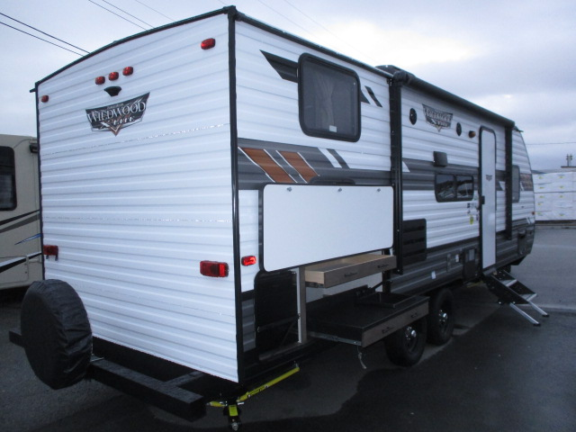 2020 FOREST RIVER WILDWOOD XLT 243BHXL