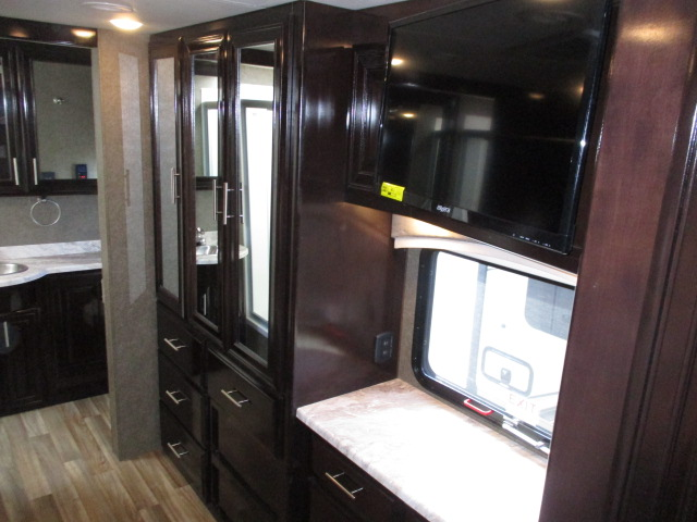 2019 Thor Motor Coach MIRAMAR 35.3 For Sale In Abbotsford