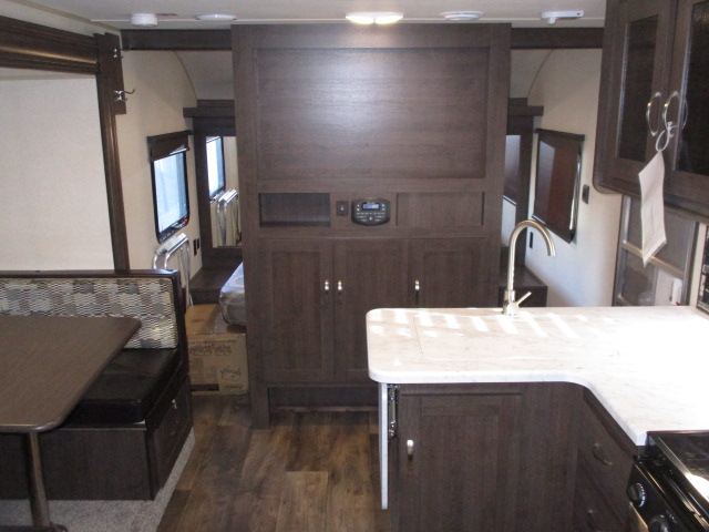 2018 Forest River WILDWOOD XLT 243BHXL For Sale In Abbotsford