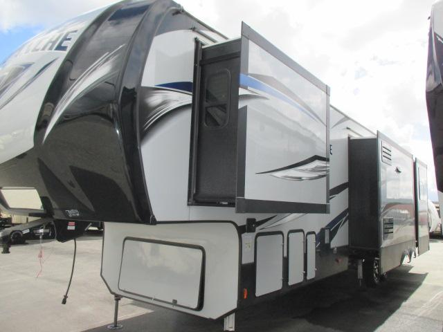2018 Keystone AVALANCHE 395BH For Sale In Abbotsford